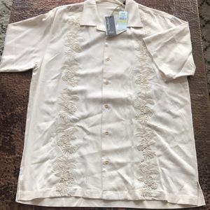 Tommy Bahama 100% Silk Hawaiian Shirt. Size M.